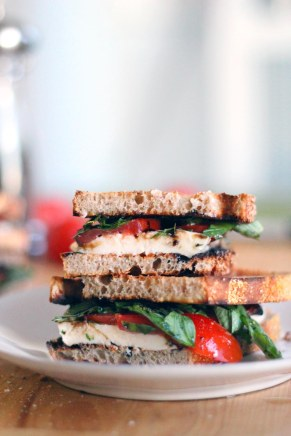 Fresh-Mozzarella-Tomato-and-Basil-Sandwiches-with-Balsamic-Glaze-1
