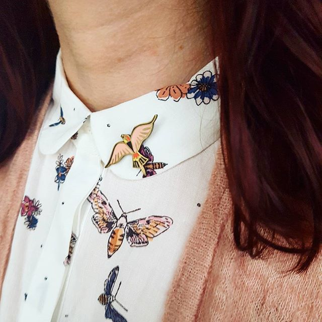 pink-bird-pin